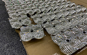 What are the advantages of using PMMA as a lens for led car headlights and led light bar..jpg